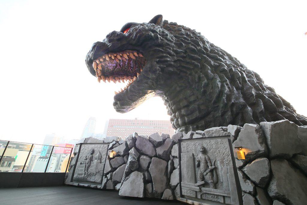 Hotel-Gracery-Shinjuku-Daytime-Godzilla-Head-1024x683