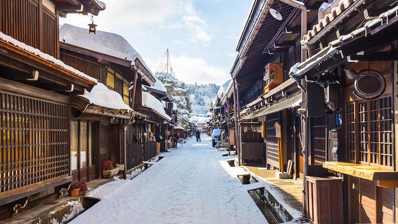 takayama-streets-japan-winter-e1500529391726