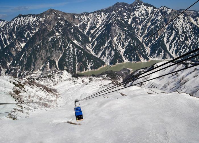 5 Tateyama-Kurobe-Alpine-Route-by-JR-Pass-Japan-17