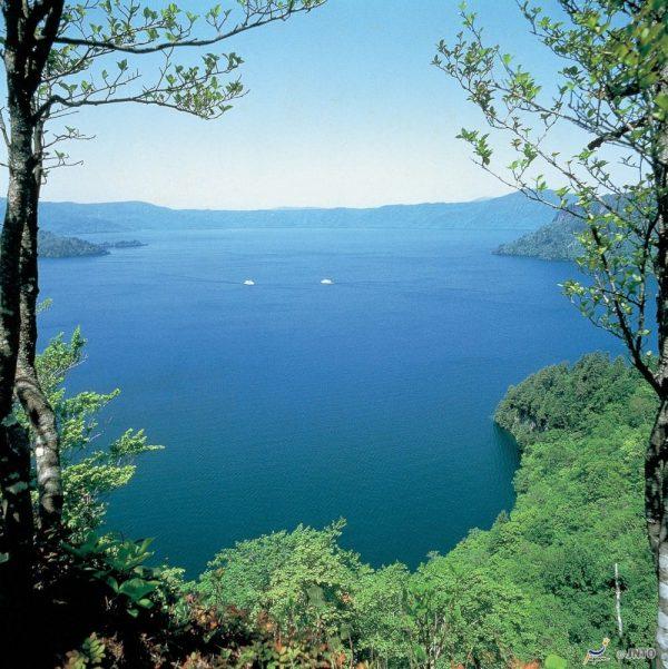 Lake Towada (Aomori)