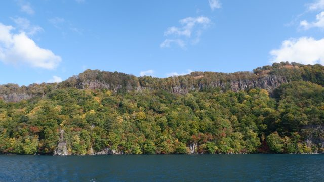 Eboshiiwa Rock, ini bakal kece banget guys kalau pas peak autumn